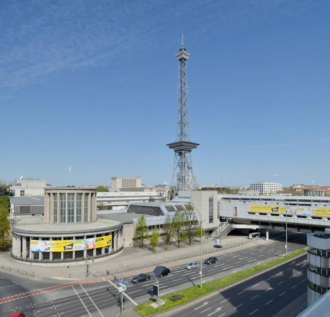 1200px-Berlin_-_Funkturm2.jpg