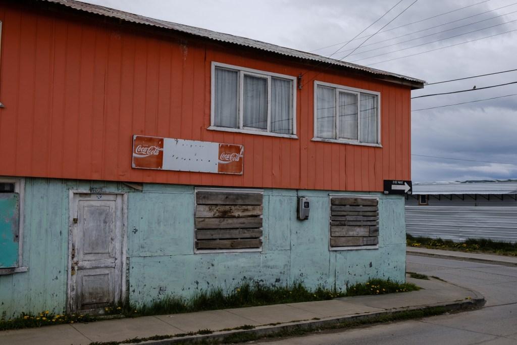 batiment maison ville puerto natales chili patagonie