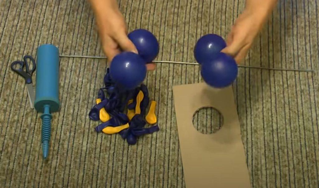 Formamos un cuadrado de las bolas.