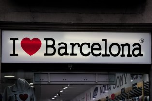 I love Barcelona. Do I really? Probably so, but in the summer. Winter Barcelona is only likeable. So... I like Barcelona!