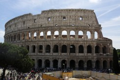 Colosseum daytime 2-1