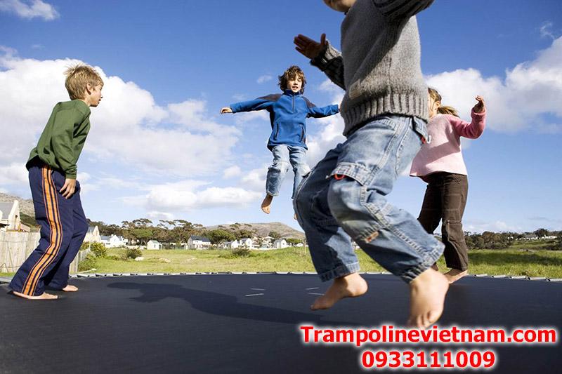 Bat-nhun-trampoline