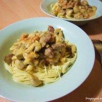Creamy Sausage, Mushroom and Tomato Pasta