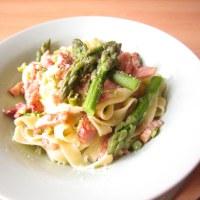 Creamy Asparagus and Pancetta Tagliatelle