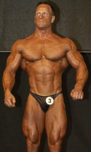stor kuk och muskler