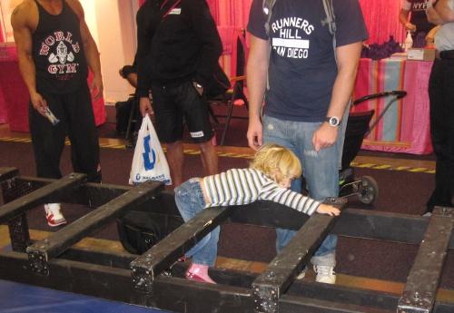 Dagens yngsta deltagare i hinderbanan