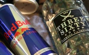 Är red bull vodka farligt?