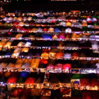 「ラチャダー鉄道市場 タラートロットファイラチャダー」~バンコク最大のエネルギッシュなナイトマーケット!!①