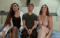 Tranny Venus Lux , Bella Rossi And Amateur Guys in Threesome