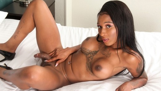 Black-tgirls – China Sweet Cheeks Cums!