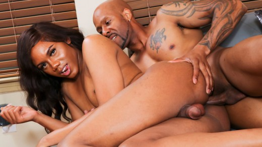 Blacktgirls Hardcore – Kandi Janae & Soldier Boi!