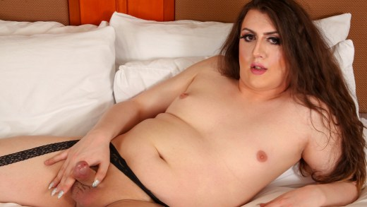 Femout.xxx – Mia Sparks Strokes And Cums!