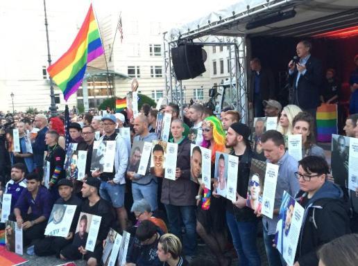 Gedenken der Orlando Opfer Berlin