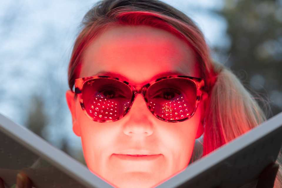 LED red and near-infrared light therapy for wrinkles.