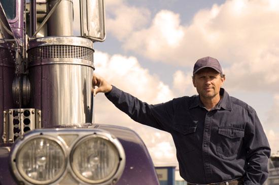 truck-driver-transcourt