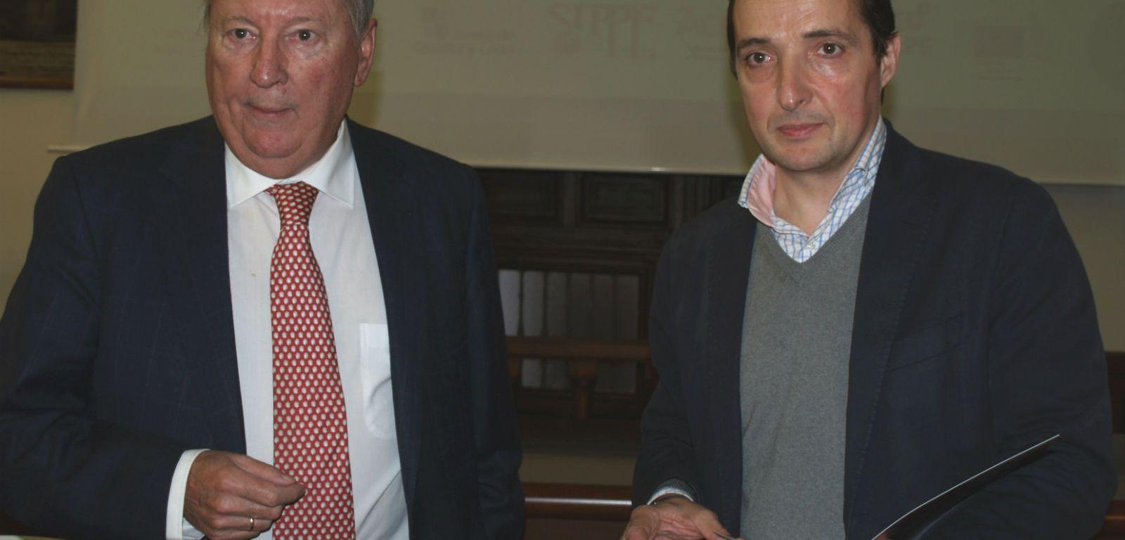 Rodolfo Carpintier, a la izquierda, junto al vicerrector de Investigación y Transferencia de la USAL, Juan Manuel Corchado.