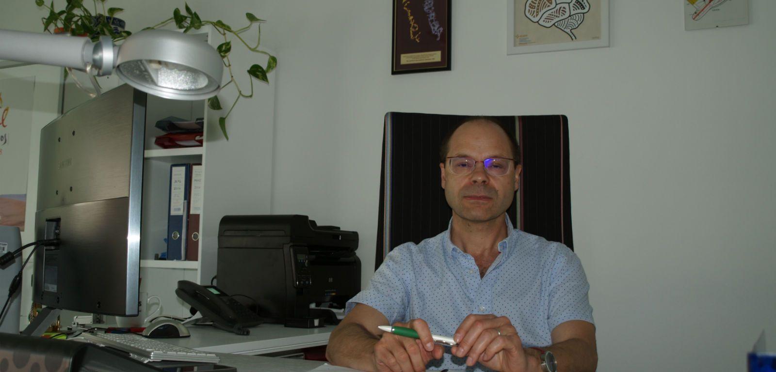 El nuevo director del INCYL en su despacho