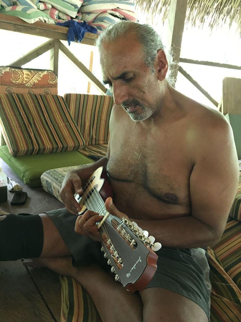 Shamanism, waking up, healing and plant medicine | Don Gino Chaka Runa | transformatie podcast sjanett de geus