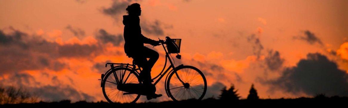 cropped-silhouette-biker-sunset.jpg