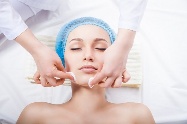 Por que fazer a limpeza de pele
