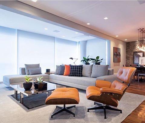 poltrona Charles Eames na sala de estar