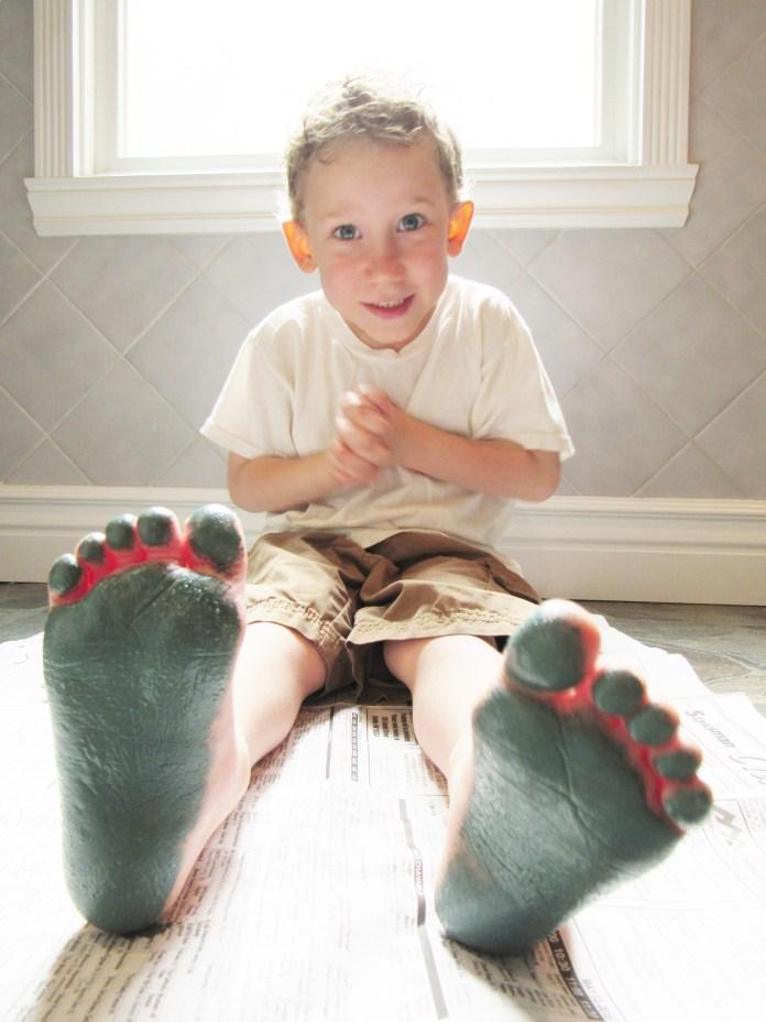 Amos' Painted Feet