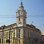 Războiul între palate continuă la Cluj pe tema unei străzi şi a colindului antisemit