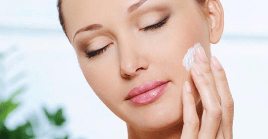 How to keep your skin radiant & glowing throughout the holiday season