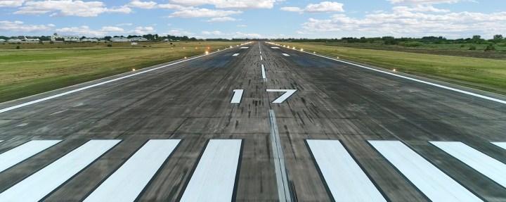 pista aeropuerto foto
