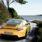 Porsche launches the all-wheel drive 911 C4 GTS (w/VIDEO)