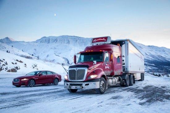 Jaguar-XJ-Arctic-Circle_G2