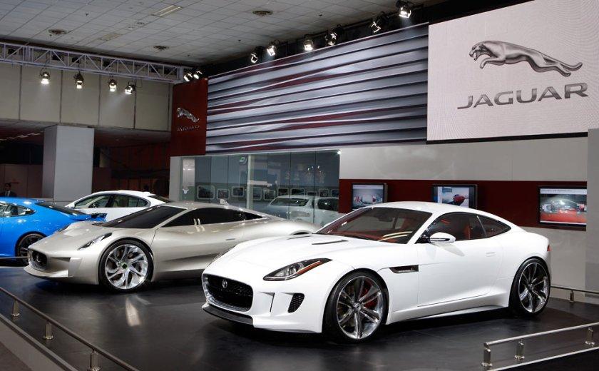 Jaguar-F-TYPE-Coupe_G2