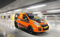 Toyota-BTCC-Vans_G1