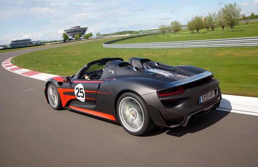 Porsche-918-Spyder-review_G2