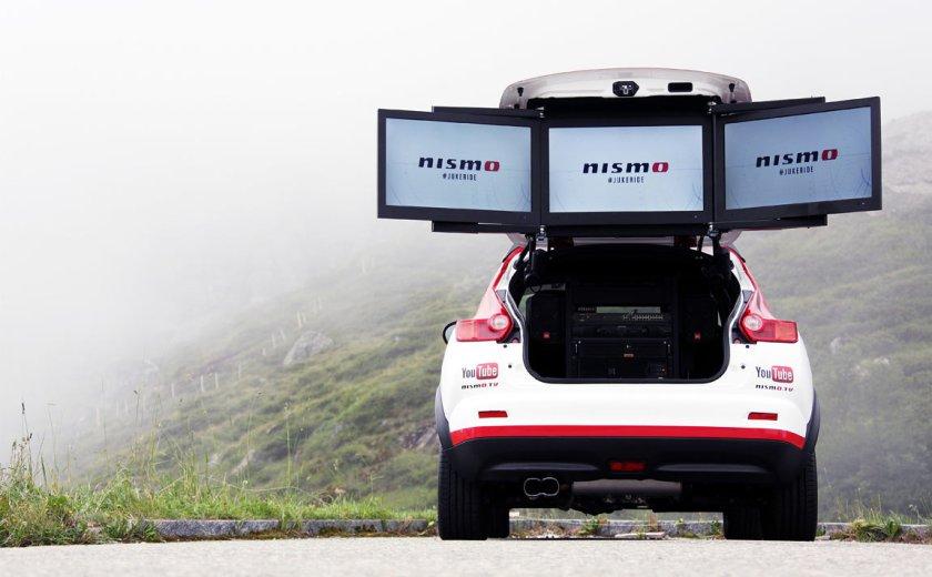 Nissan-370Z-Nismo-vs-wingsuit-jukeride_G12