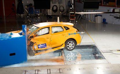 Volvo-crash-lab-11-Feb_12