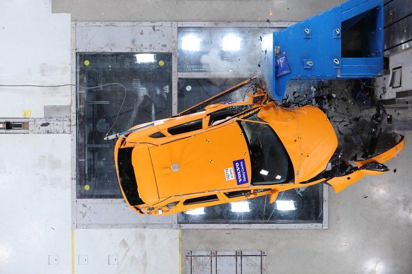Volvo-crash-lab-11-Feb_17