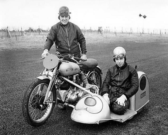 jack-and-john-surtees-in-1951-709x570