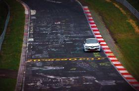 Megane_Renaultsport_275_Trophy-R_g4