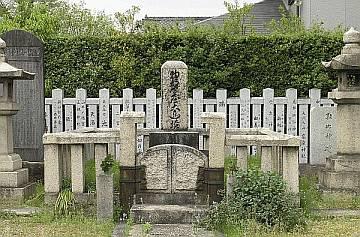 日本神道を護持した物部守屋の墓