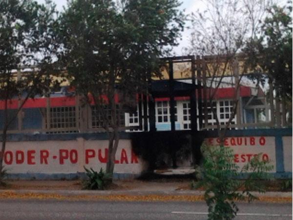 Mercal de Las Mercedes en Lara: Cerrado y en disputa