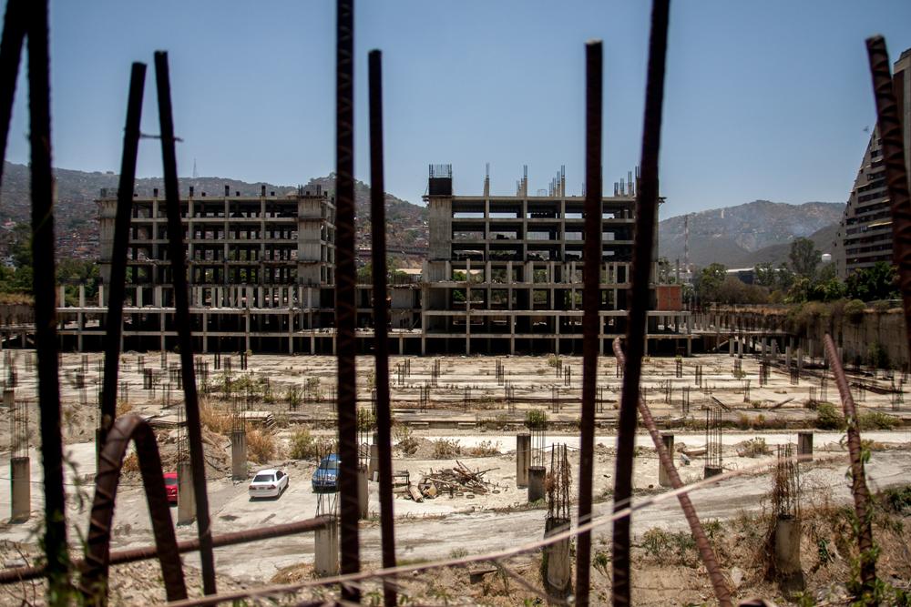 Nueve años de retraso tiene la construcción del Cardiológico de Montalbán que prometió Chávez