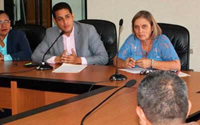 Olivares: «Llevaremos a Fiscalía y Ministerio del Trabajo denuncias de los trabajadores del sector salud»