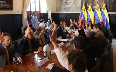 Comisión Delegada propone crear plan para atacar escasez del bolívar