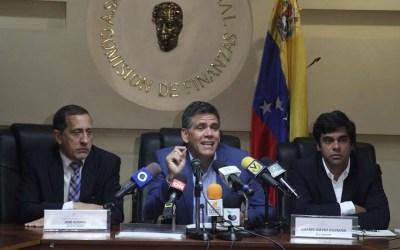 Rafael Guzmán: con los ataques a la banca privada el Gobierno nacional busca apropiarse de las remesas