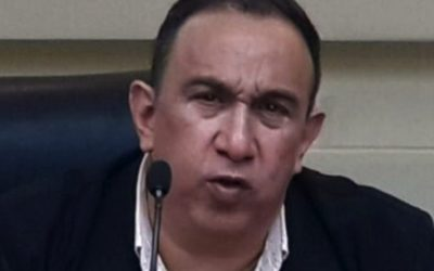 Delsa Solórzano exigió la liberación del diputado Tony Geara por presentar síntomas del Covid-19
