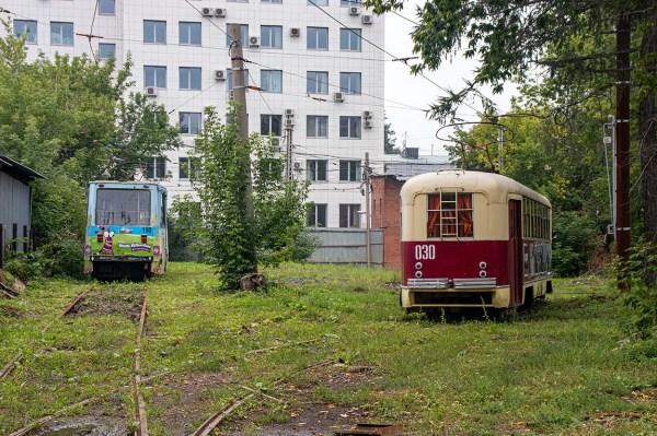 Фото: Иркутск, РВЗ-6М2 № 030; Иркутск, 71-605 (КТМ-5М3 ...