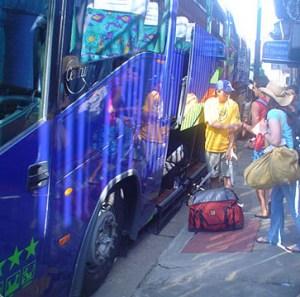 Bus privado para hasta 50 personas