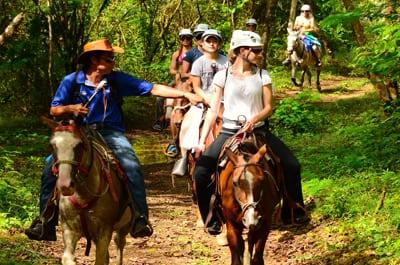 Paseo a caballo en Jaco