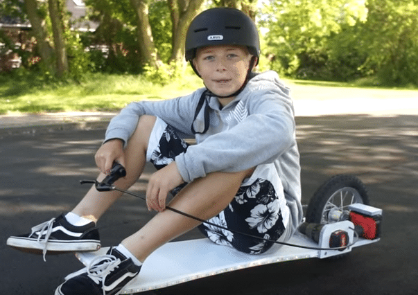 This Kid Made His Own Electric Skateboard From Spare Parts